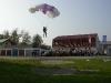 Na slavnostní zahájení MS přiletěli 2 parašutisté